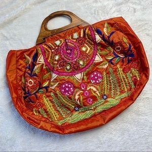 Anthropologie Embroidered Wood Handle Tote 🌼